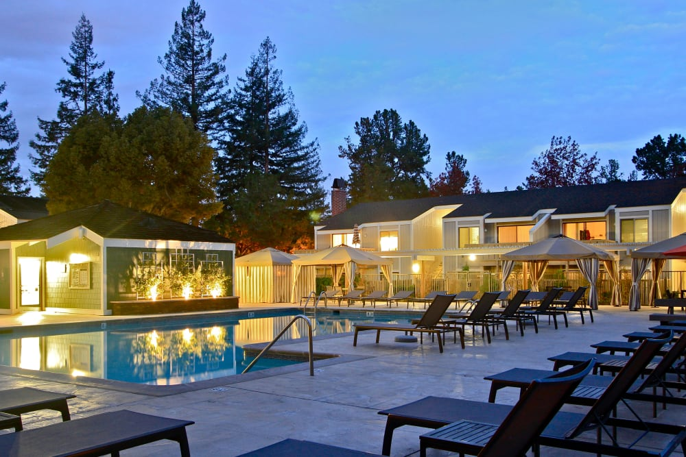 Sparkling pool at Glenbrook Apartments in Cupertino, California