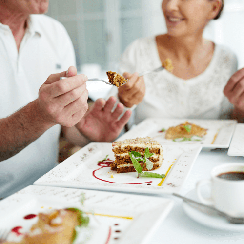 Residents dining at Pinnacle Senior Living