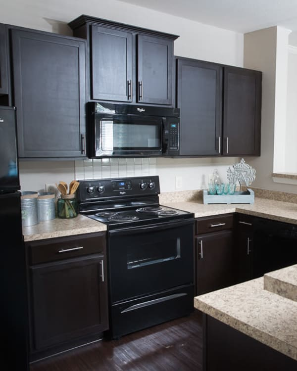 Fully equipped kitchen at Ansley Commons Apartment Homes in Ladson, South Carolina