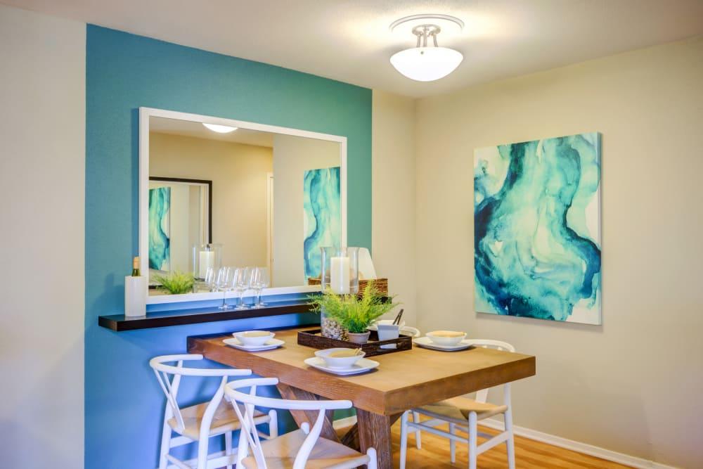 Dining room at apartments in Fredericksburg, VA