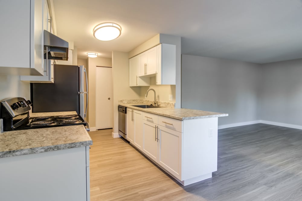 Kitchen at Heatherbrae Commons in Milwaukie, Oregon