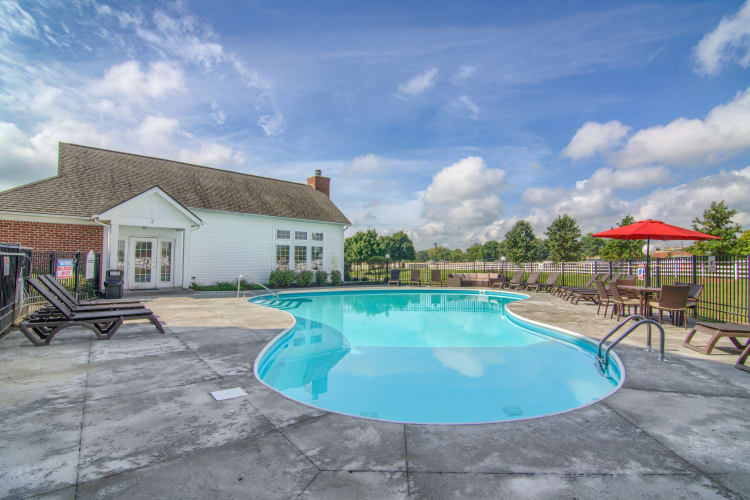 Outdoor swimming pool at Gateway Lakes Apartments in Grove City, Ohio