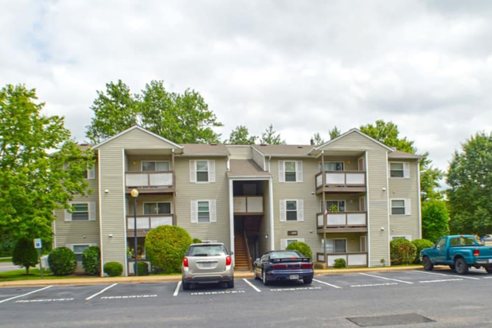 Exterior of Laurel Pines Apartments in Richmond, Virginia