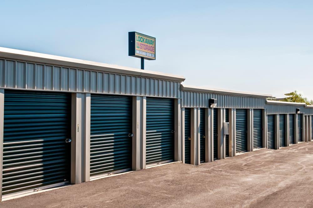 Lockaway Storage Crestway Exterior Units