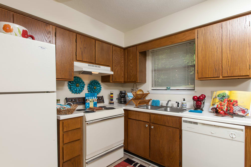 White appliances at Cross Creek Cove Apartments & Townhomes