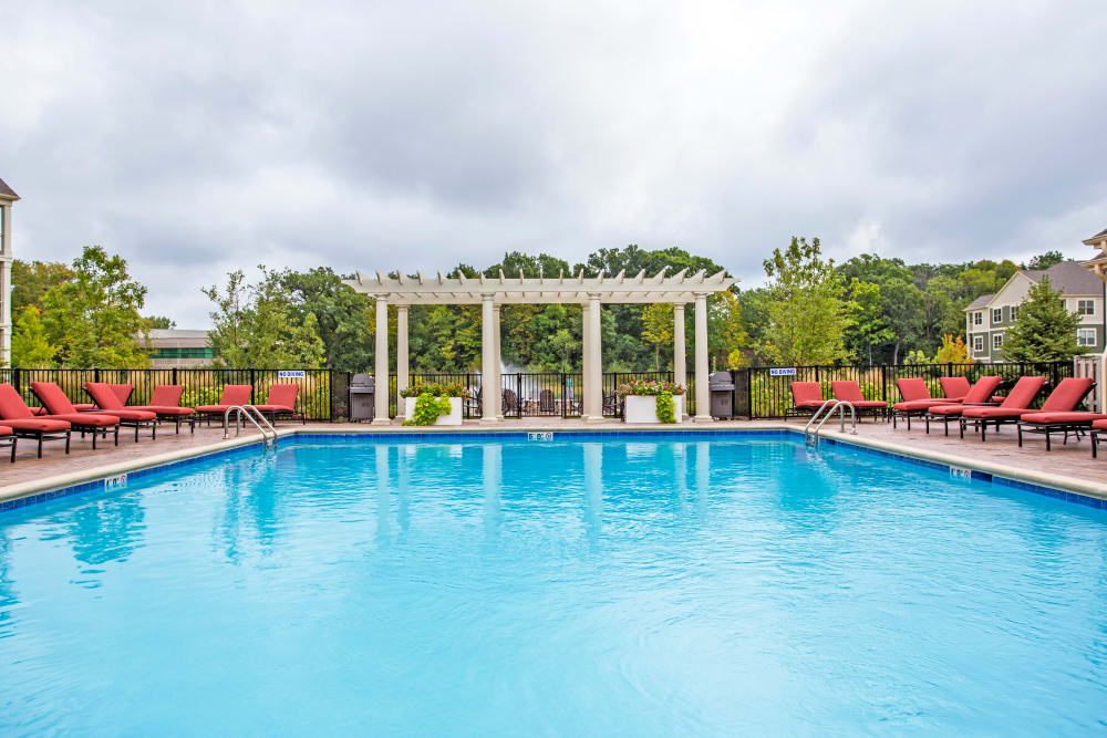 Large sparkling swimming pool at The Oaks Of Vernon Hills in Vernon Hills, Illinois