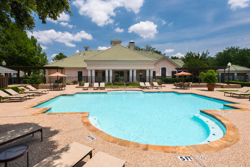 Enjoy Apartments with a Beautiful Swimming Pool at Lakeview at Parkside in Farmers Branch, Texas