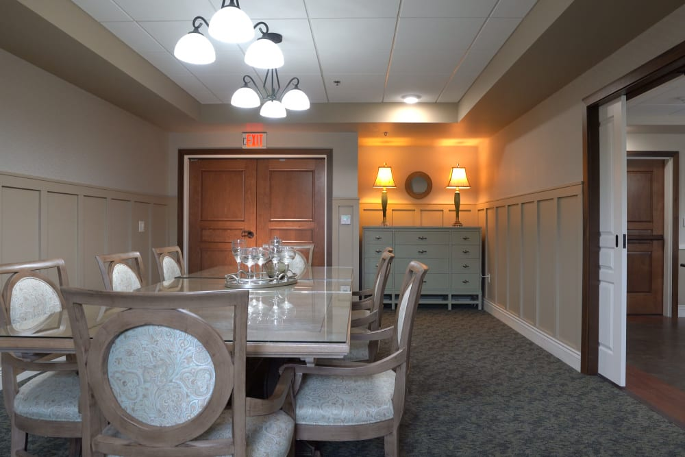 Private family dining room at Deephaven Woods in Deephaven, Minnesota