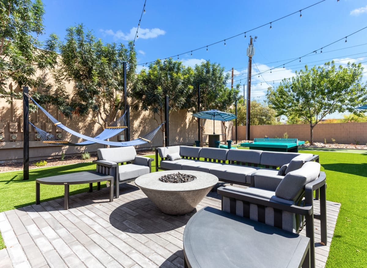 Outdoor resident lounge at 1408 Casitas at Palm Valley in Avondale, Arizona