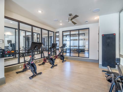 Take a look at the amenities available at Leigh House Apartment Homes in Raleigh, North Carolina