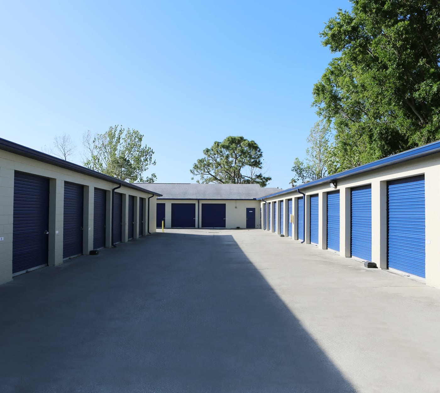 Ground-floor unit at Midgard Self Storage in Mulberry, Florida