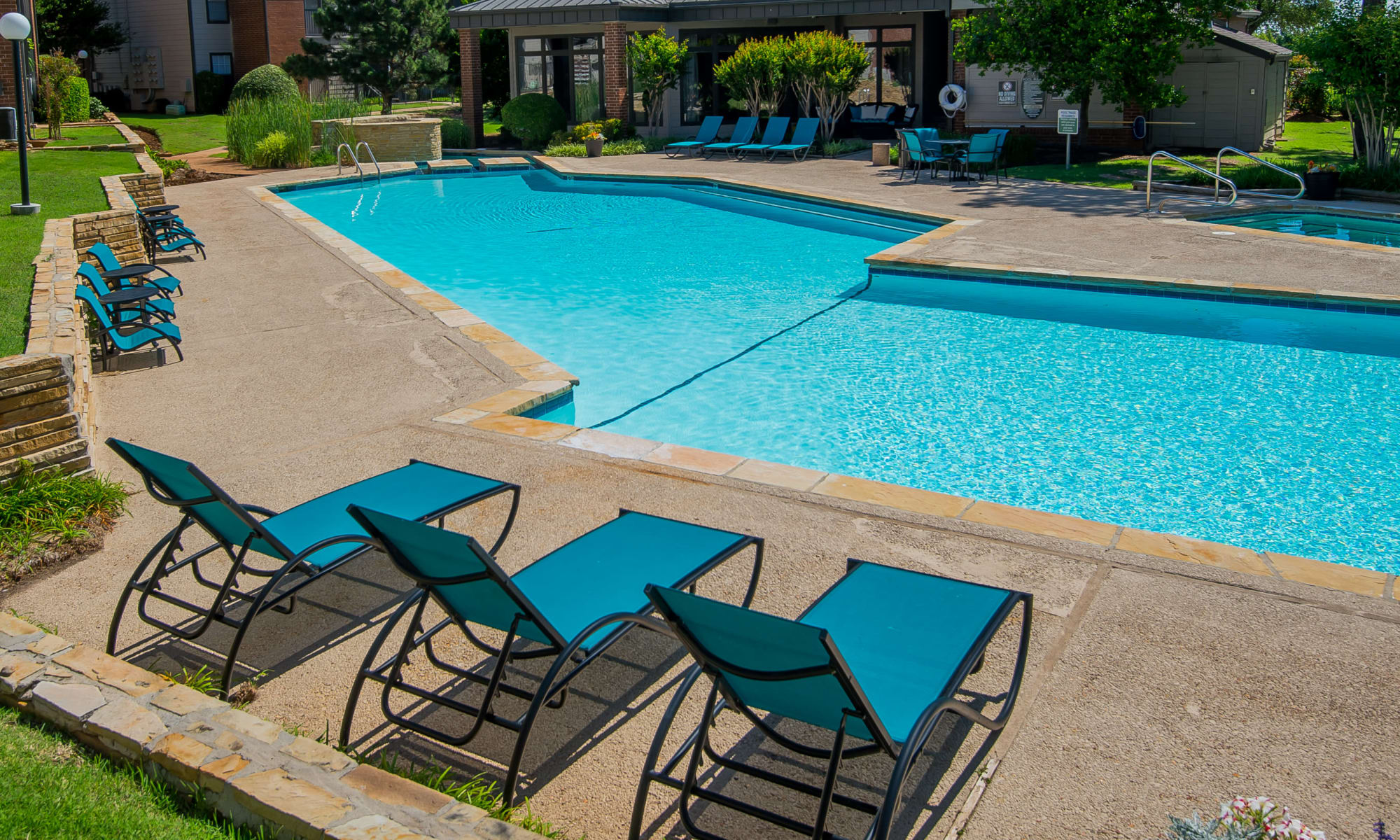 Apartments at Hunter's Ridge in Oklahoma City, Oklahoma