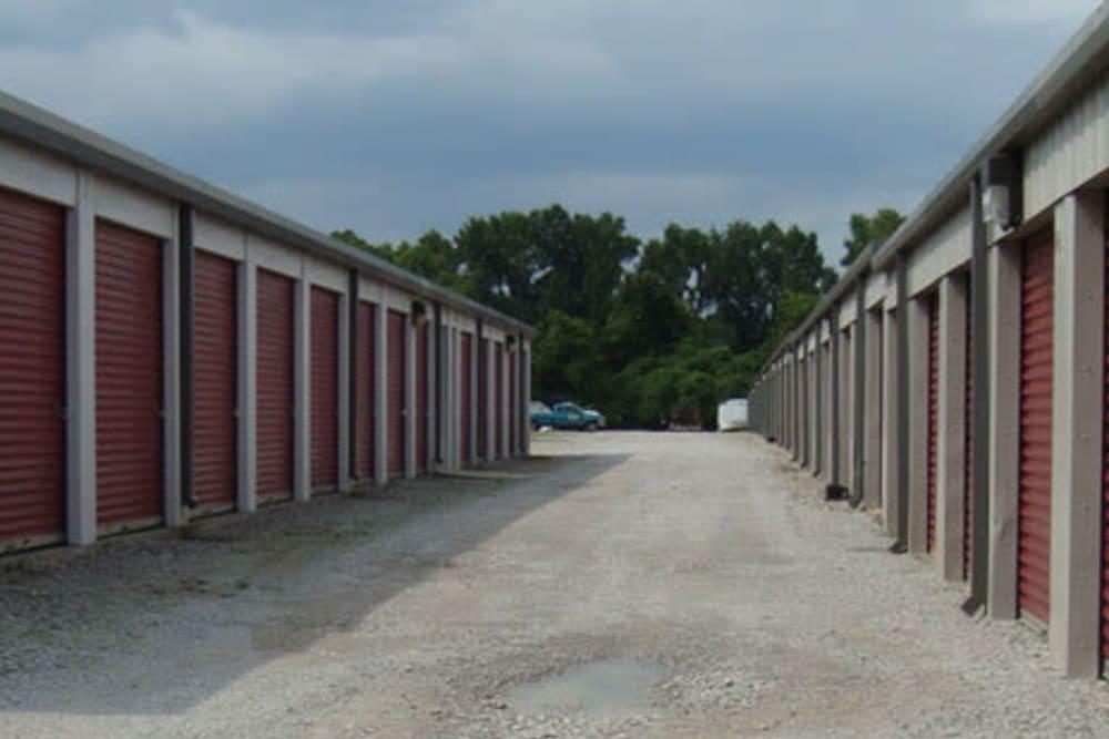 Outdoor storage unites at Ryland Mini Storage in Huntsville, Alabama