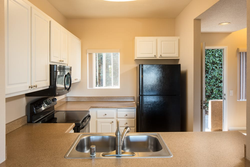 Fully Equipped Kitchen at Niguel Summit Condominium Rentals in Laguna Niguel, California