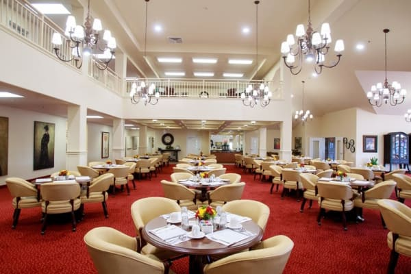 Large dining room at Estrella Estates Gracious Retirement Living in Goodyear, Arizona