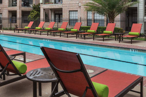 View amenities gallery at Greenbriar Park in Houston, Texas