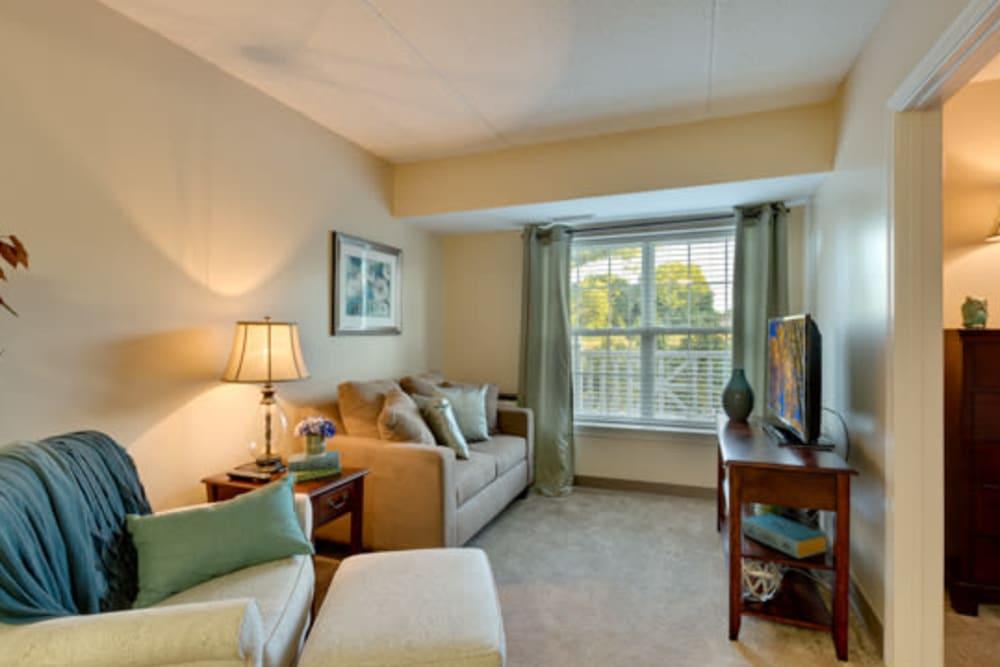 Living area at senior apartment home at Carriage Court of Kenwood in Cincinnati, Ohio