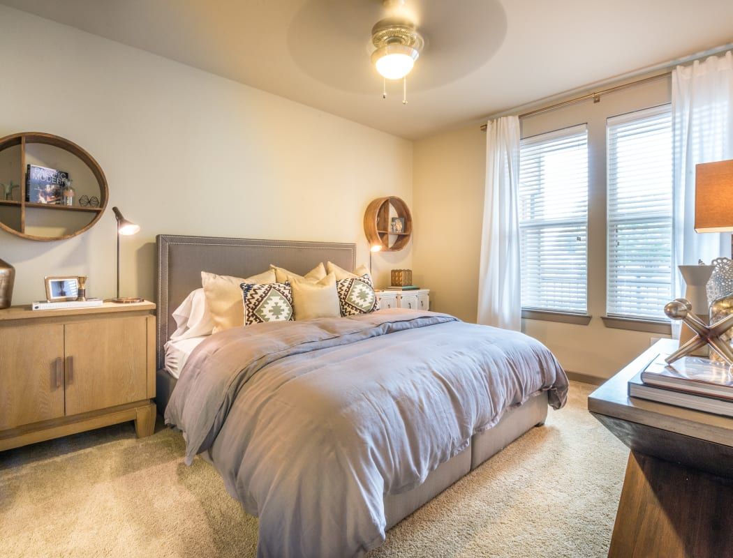 Apartment features at Aviator West 7th in Fort Worth, Texas