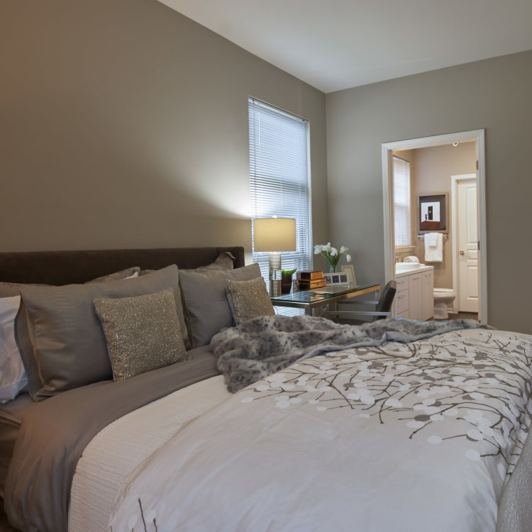 Beautifully decorated suite at Five Points in Auburn Hills, Michigan