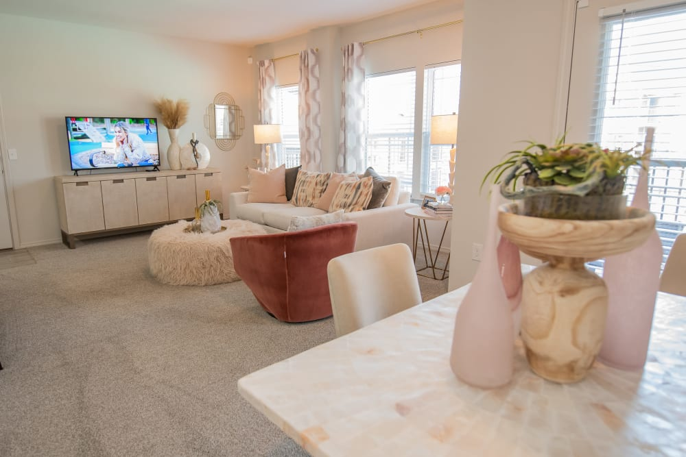 Living and dining room at Artisan Crossing in Norman, Oklahoma