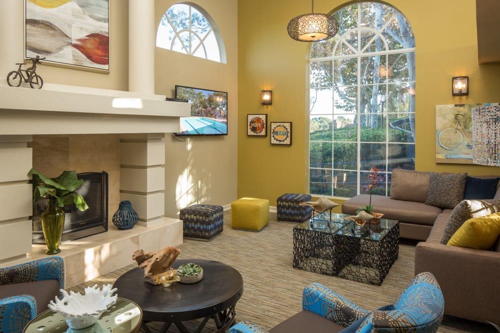 Interior view of the resident clubhouse at Niguel Summit Condominium Rentals in Laguna Niguel, California