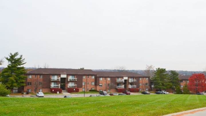 Miamiview Apartments photo looking at apartments from outside.