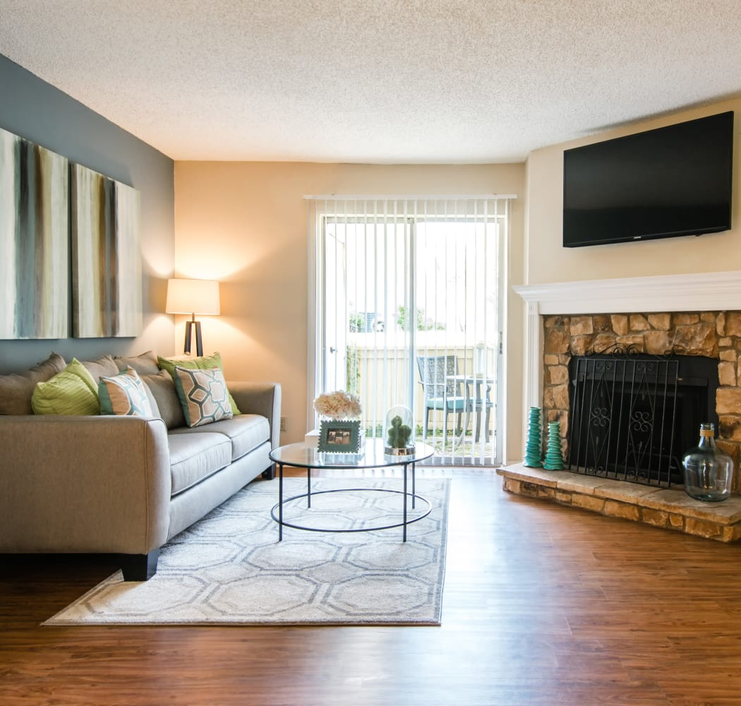 5 Bedroom Apartment: Affordable 1 & 2 Bedroom Apartments & Townhomes In