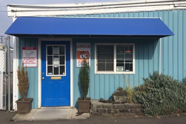 Self storage office in Eugene