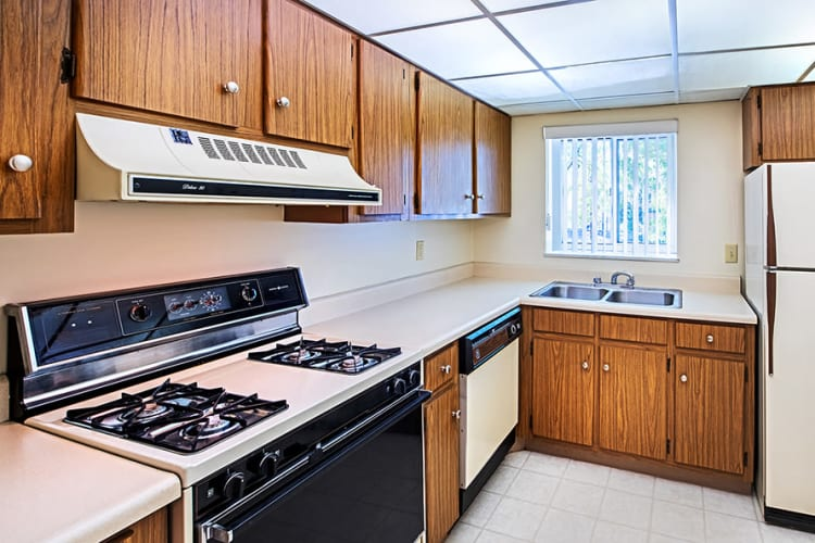 Well-equipped kitchen at The Avalon Apartment Homes in Avalon, Pennsylvania