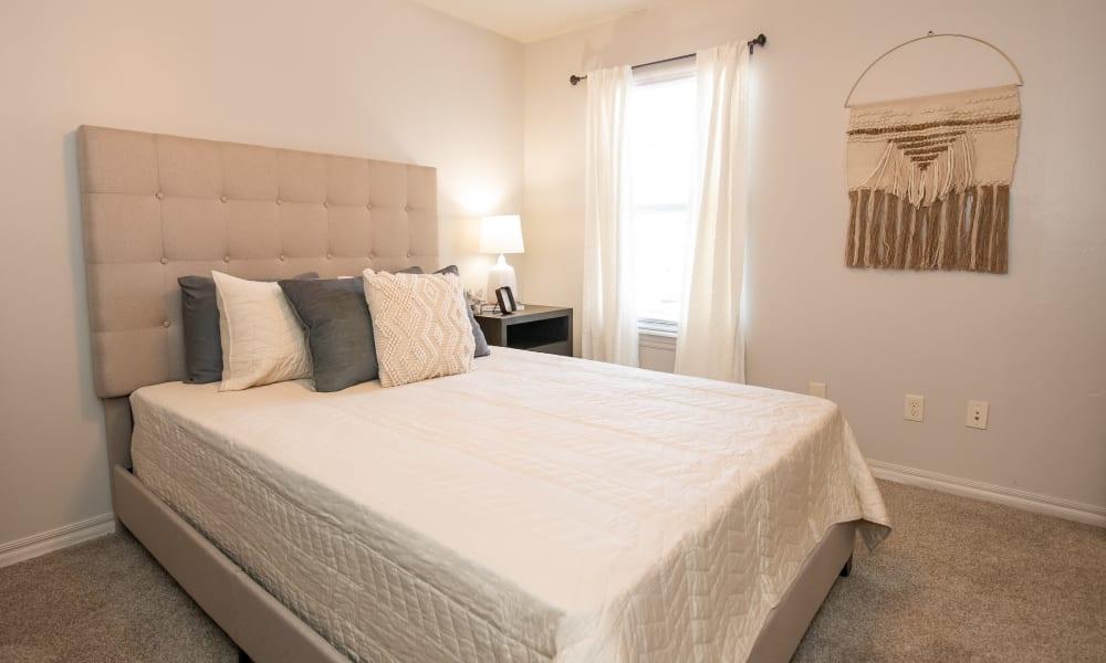 Bedroom at Cross Timber in Oklahoma City, Oklahoma