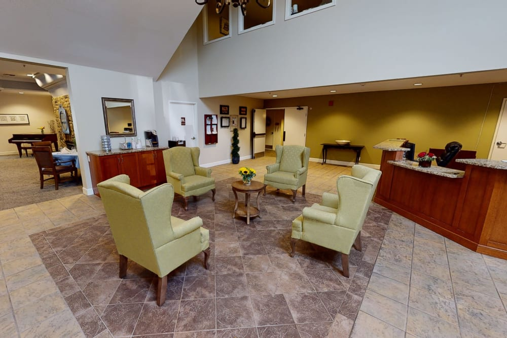 Peters Creek Retirement & Assisted Living lounge seating