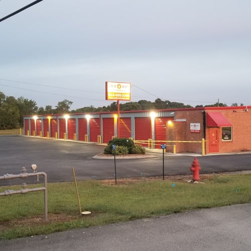 Outdoor storage units at Red Dot Storage in Lebanon, Tennessee