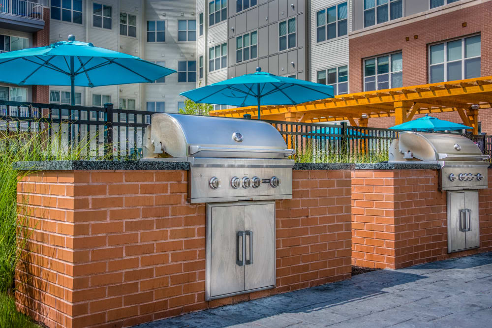 Modern bbq area at The Chase at Overlook Ridge in Malden, Massachusetts