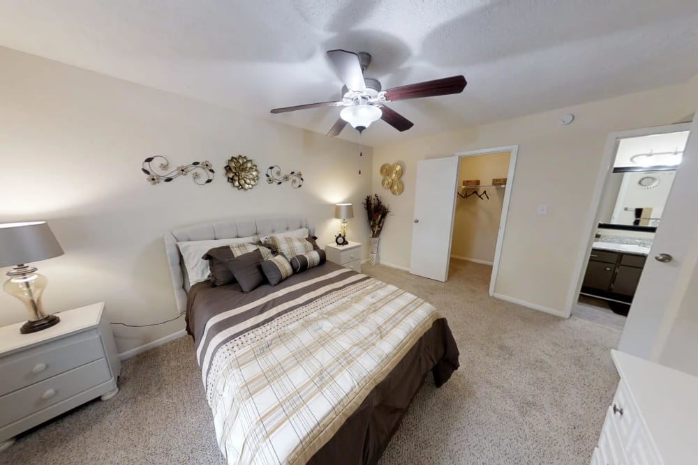 Large bedroom at Cedar Ridge Apartments