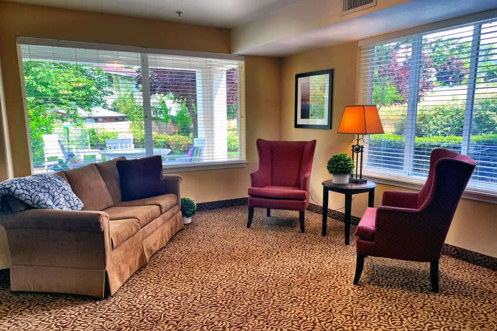 Clubroom at Maple Ridge Senior Living in Ashland, Oregon