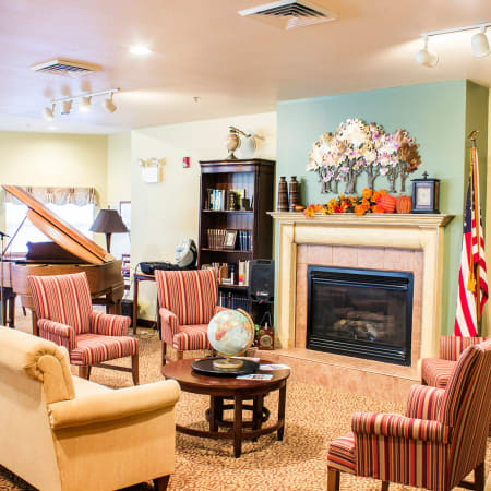 Fireside seating at Rivercrest Place in Paducah, Kentucky