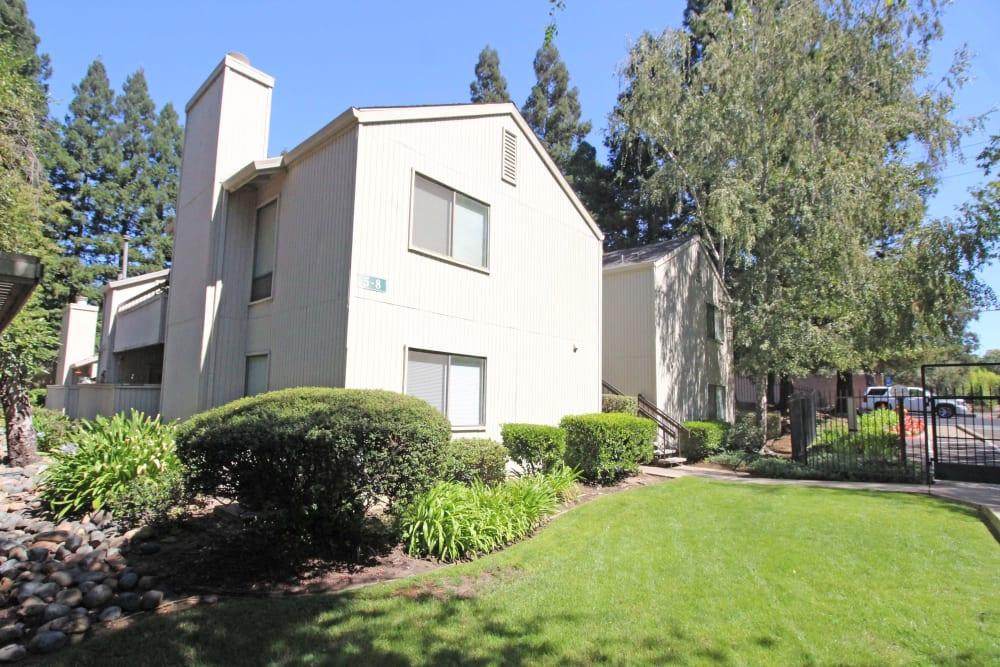 Apartment building at Huntcliffe Apartments in Fair Oaks, California