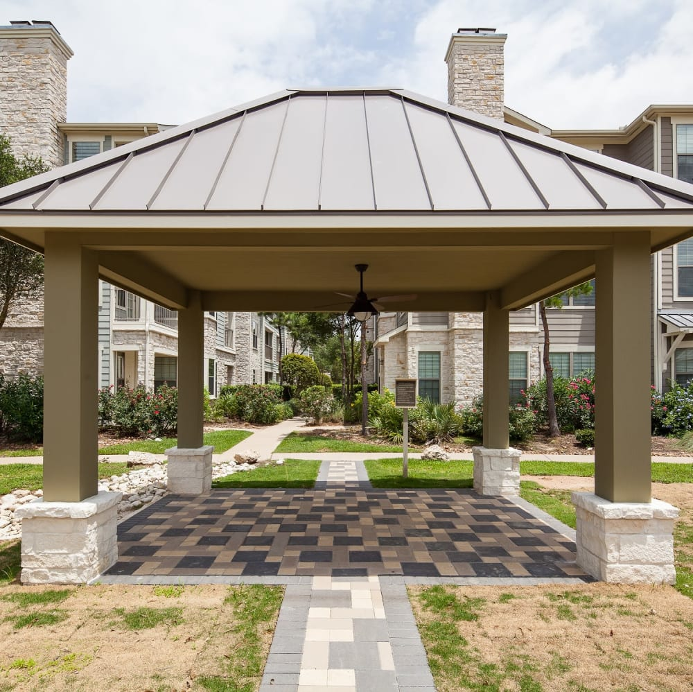 Gazebo in a beautifully manicured courtyard at Lakefront Villas in Houston, Texas