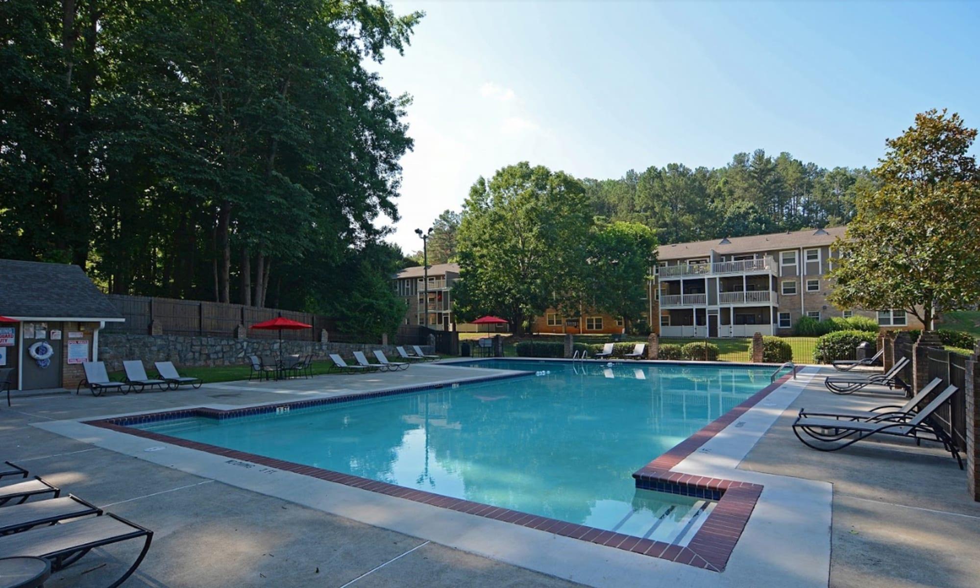 Apartments at The Crossing at Henderson Mill in Atlanta, Georgia