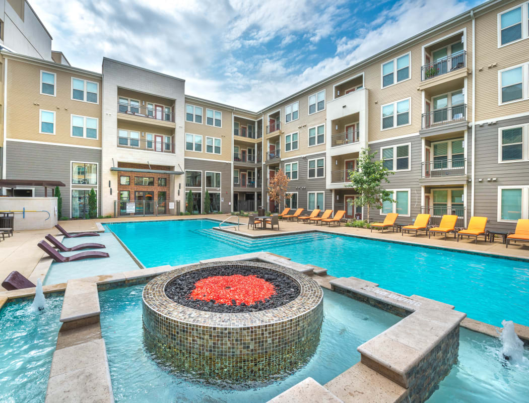 Community amenities at Aviator West 7th in Fort Worth, Texas