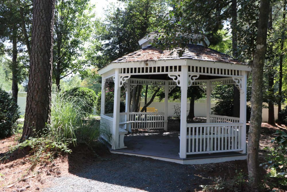 Covered seating under the gazebo at Harmony at Ironbridge in Chester, Virginia