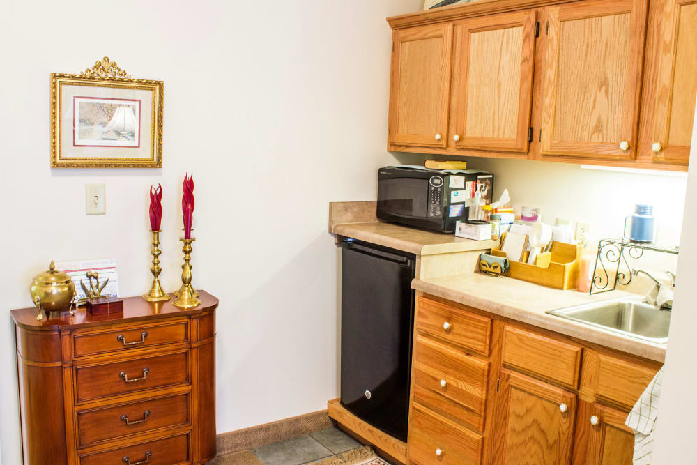 An apartment kitchen at Rivercrest Place in Paducah, Kentucky