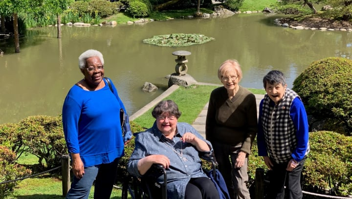 Residents at Merrill Gardens at First Hill enjoying their summer in the city!