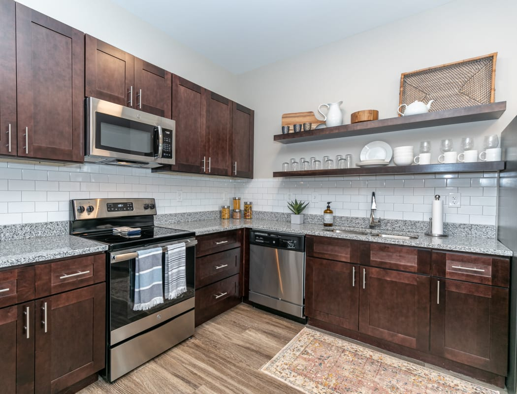 Beautiful apartment features await at The Station at River Crossing in Macon, Georgia