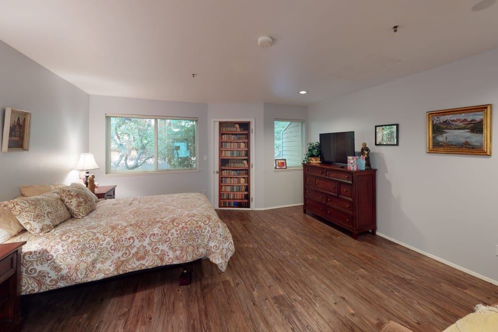 senior resident bedroom at Peters Creek Retirement & Assisted Living