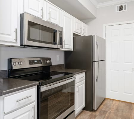 Kitchen with plenty of counter space at River Oaks Apartment Homes in Vacaville, California