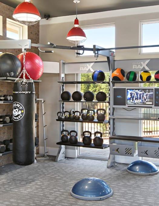 View amenities at 8 Metro Station in Charlotte, North Carolina