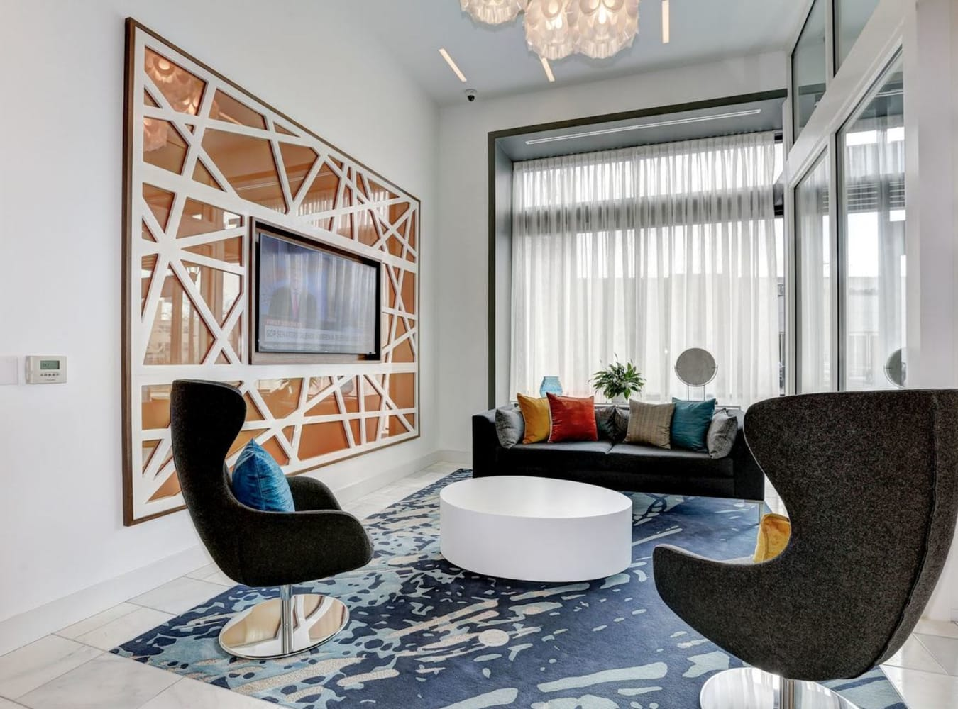 Plenty of seating in the modern clubhouse at Solaire 7077 Woodmont in Bethesda, Maryland