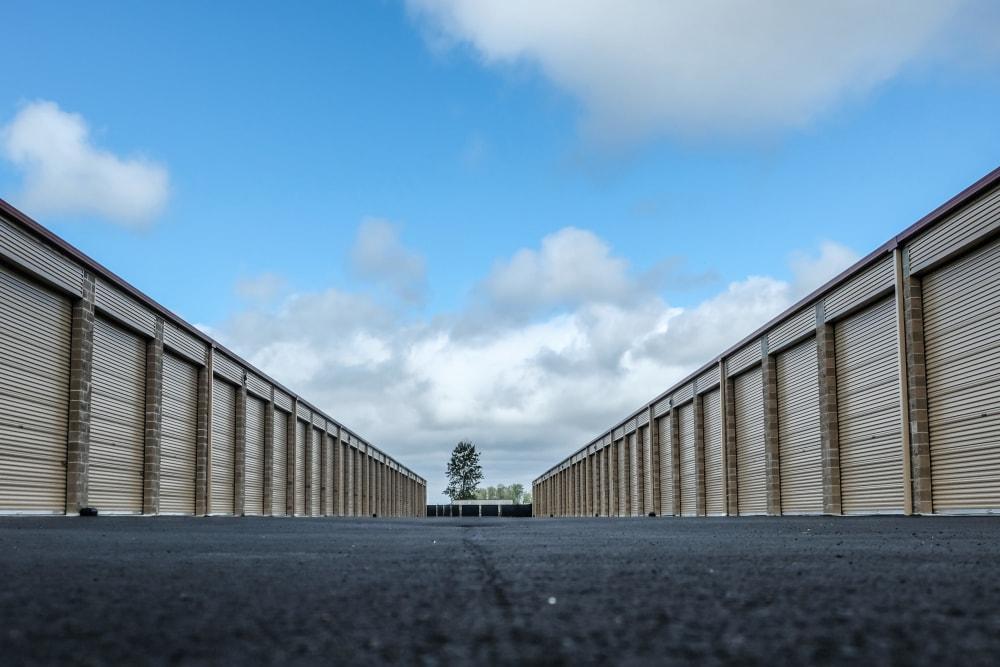 Enclosed RV self storage units in Enumclaw, Washington