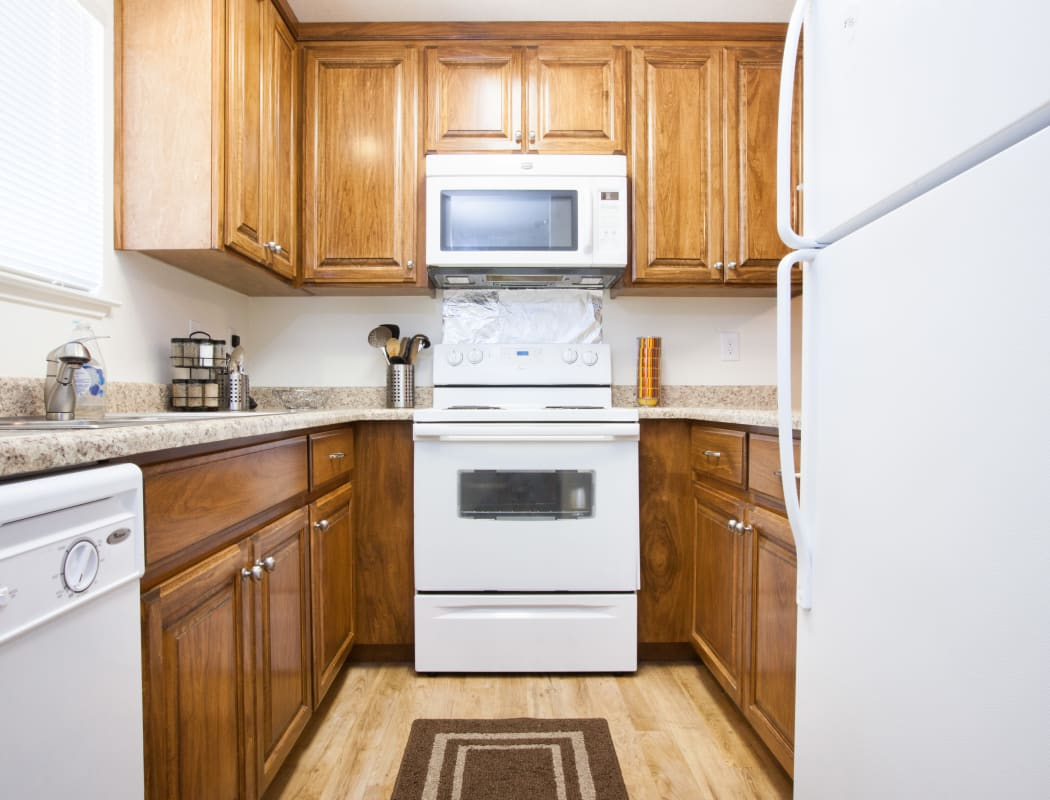 Fully equipped kitchen at Oak Pointe Apartments in Fremont, California